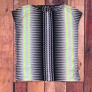 Vince Camuto Tops - Vince Camuto Short sleeve Blouse Silk Sz M (Tx)
